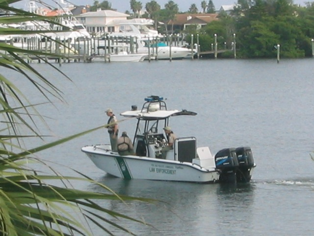 Commercial fishermen checked for compliance for Florida commercial fishing license